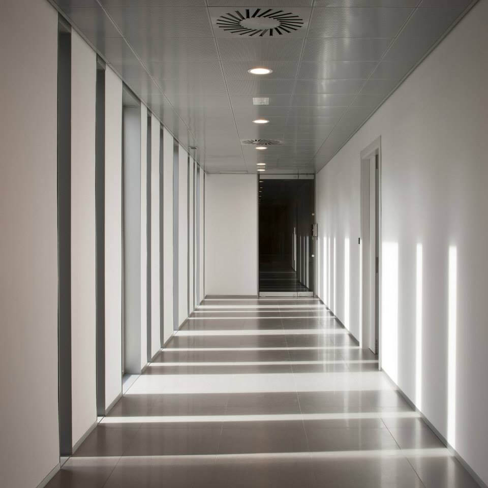 adif-interiores-pasillos